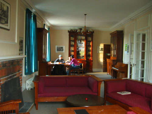 [The Traill College junior common room]