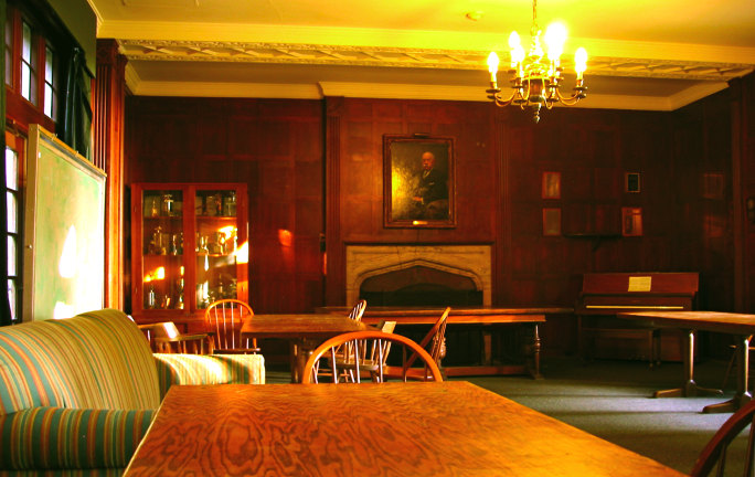 [The Bowles Hall Common Room]